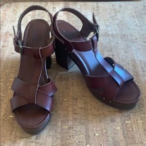 American Eagle Brown Strappy Block Heel, Size 9